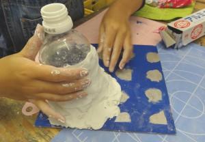 なゆき-紙粘土制作中