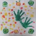 野菜スタンプと手形でハンカチデコレーション!
