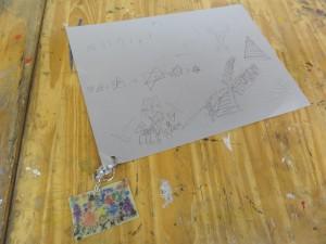 けんゆう-プラ板と画用紙